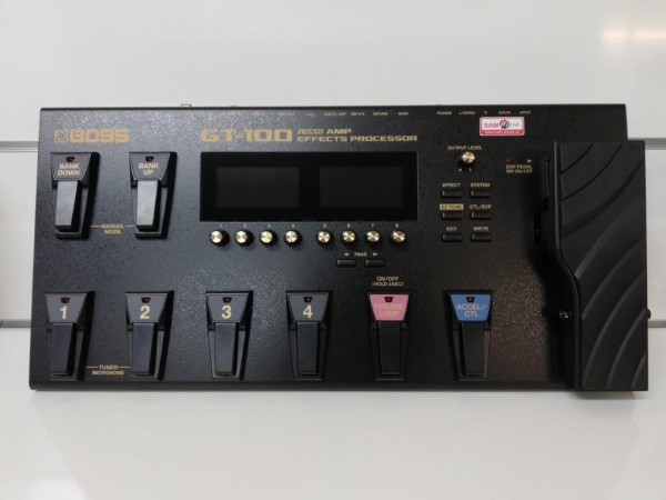 BOSS GT-100 Effects Processor