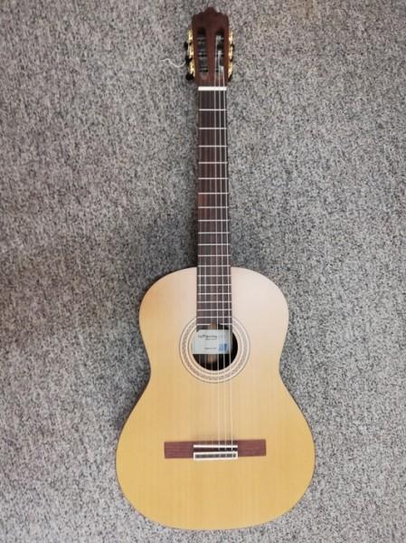 La Mancha Topacio, Linkshändergitarre, statt 825,-