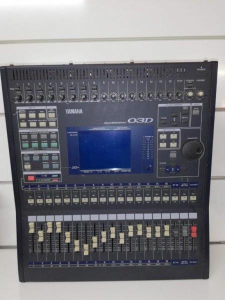 YAMAHA Digital Mischer 03D